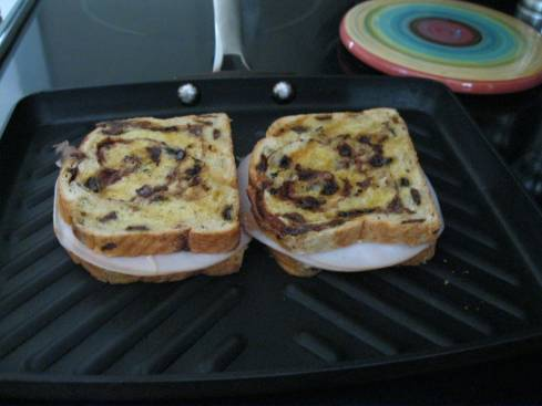 Grilled Turkey on Raisin Bread 001